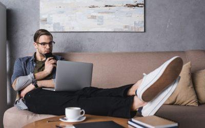 Home office, práca z domu, komunikácia so zákazníkmi na diaľku